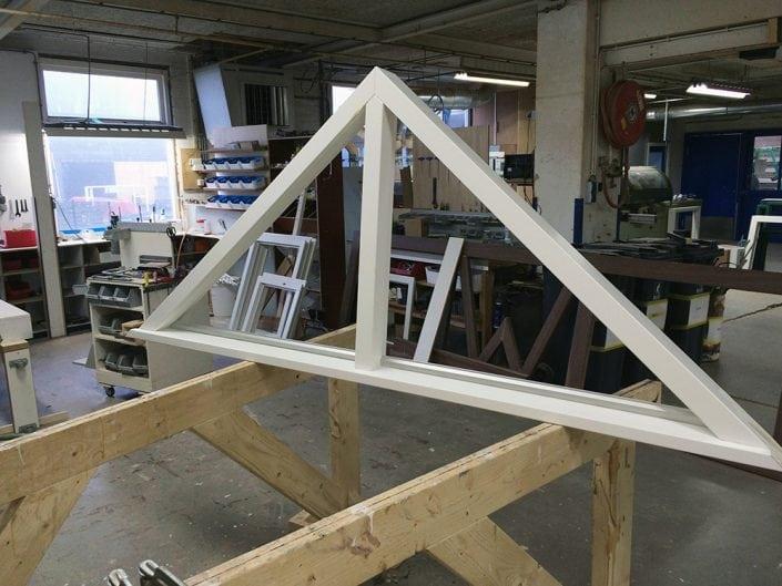 driehoekskozijn met binnenbeglazing