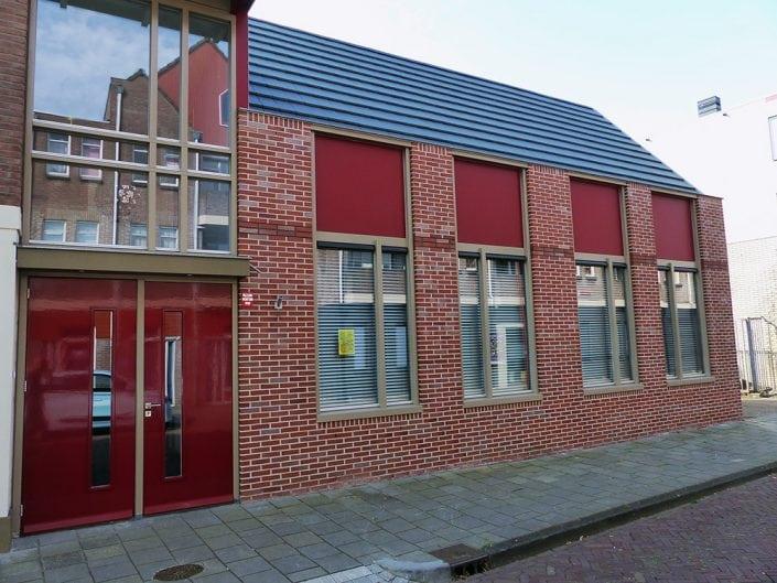 doopsgezinde kerk Heerenveen voorzien van nieuwe kozijnen